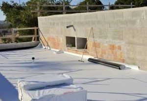 white-tpo-single-layer-rolled-roofs-300x205